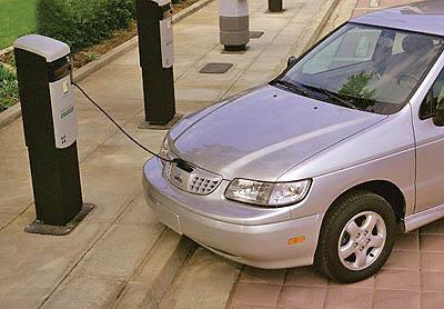 Recharging a 1999 Nissan Altra EV Electric Station Wagon