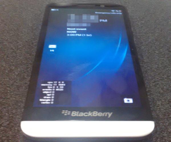 تصویری از BlackBerry A10 با صفحه نمایش 5 اینچی لیک شد