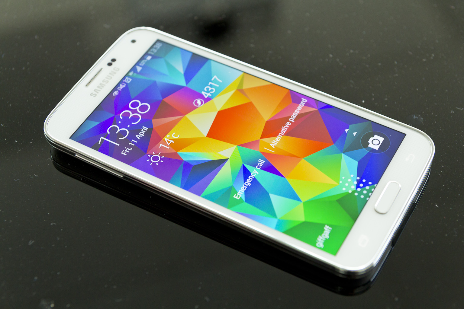 Samsung_Galaxy_S5_lock_screen (1)