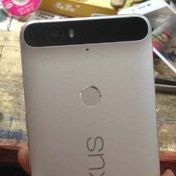 First-alleged-real-world-images-of-Huaweis-new-Nexus-phablet-leak-out