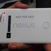 New-image-of-Nexus-5-2015-prototype-shows-off-the-camera-hump-and-fingerprint-scanner.jpg