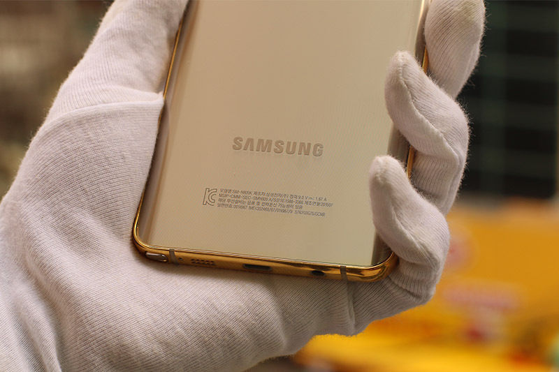 The-gold-plated-Samsung-Galaxy-Note5 (5)