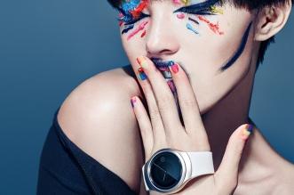 Round-Samsung-Gear-S2-Smartwatch-11111