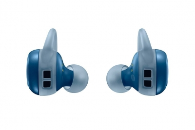 Samsungs-new-Gear-Icon-X-wireless-earbuds(22)